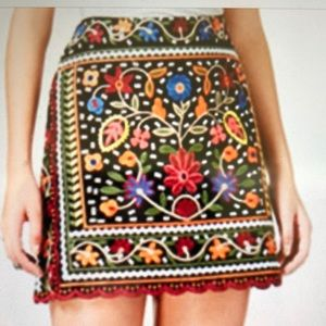 🌺 Fairchild Embroidered Mini Skirt Misses Sz Sm!!